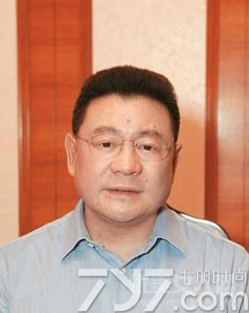 亿万富翁刘銮雄曾跟保姆借钱 没钱出院病房痛哭