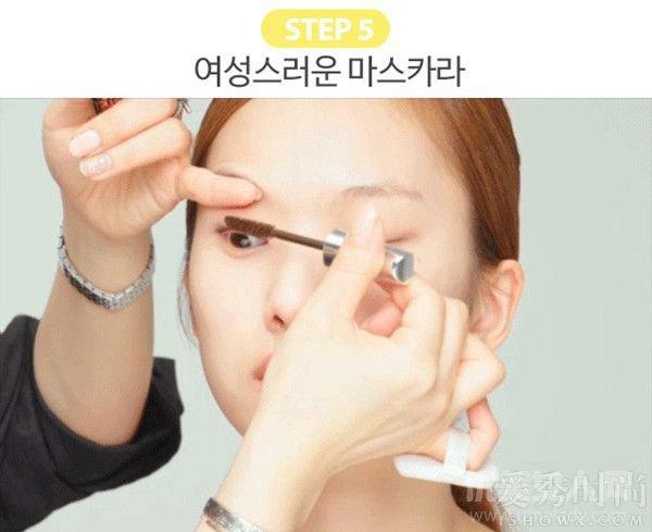 双眼皮妆容