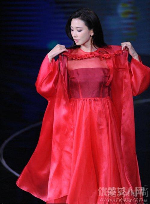 林志玲红裙搭配
