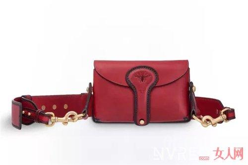 Dior D-Bee包包推荐_今年要流行的这些包包 我都帮你找好了!