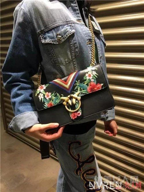 Pinko包包如何穿搭_设计感十足的小众品牌包包 满足你所有的春夏搭配