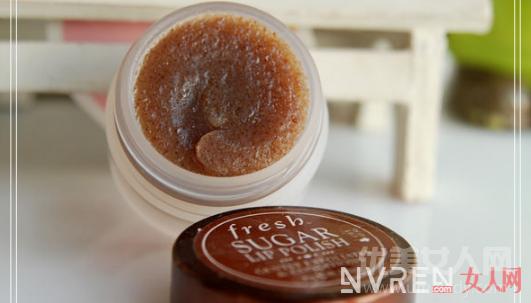 这几款润唇膏帮助改善唇部肌肤问题, 缔造柔滑饱满唇部肌肤!