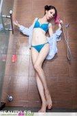 台湾绝美腿模最新比基尼丝袜诱惑