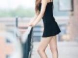 完美美女紧身裙包裹下的诱人美腿